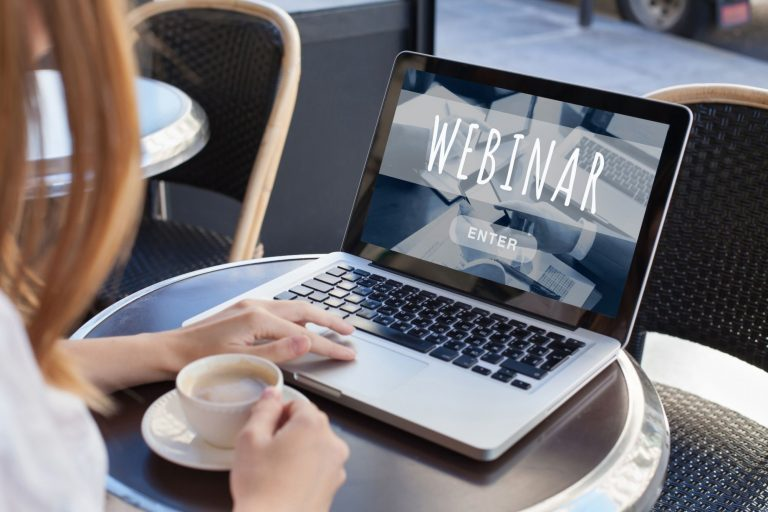 8 Methods To Appeal to a Giant Webinar Viewers